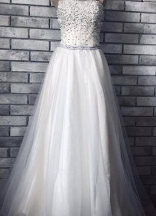 Свадебное праздничное  выпускное платье для фотосесии