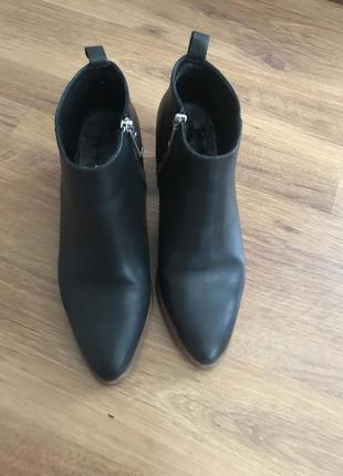 Кожаные ботинки на каблуке cos