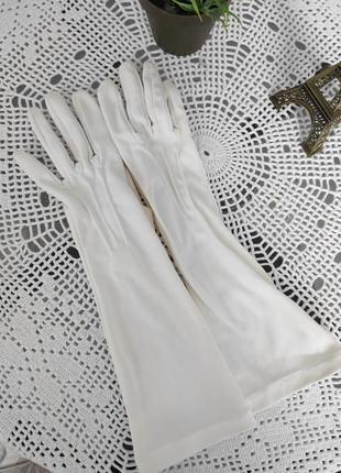 Ластиковые перчатки с пальчикамидо середины локтя