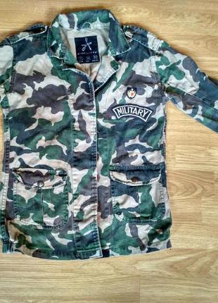 Пиджак в стиле милитари, камуфляж.