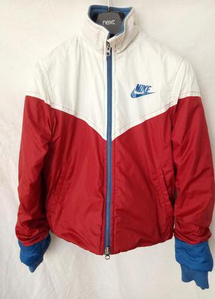 Утепленная спортивная куртка от nike limited edition