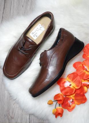 Кожаные осенние туфли мокасины clarks! производство англия! 39 р.