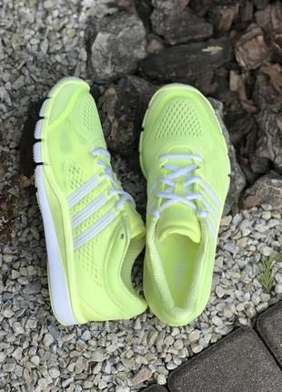 Оригинальные женские беговые кроссовки adidas adipure 360. 39р.