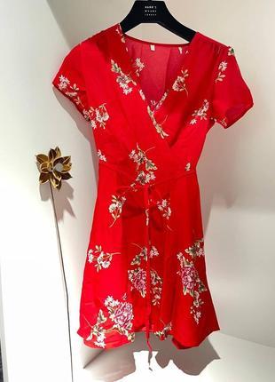 Платье на запах в цветочек красное бренд