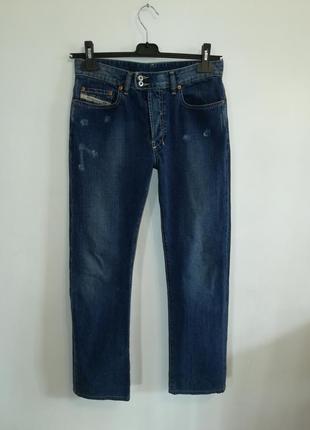 Синие прямые джинсы от люксового бренда, сделано в италии ,28 рр.
