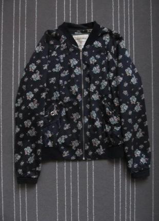 Куртка бомбер bershka