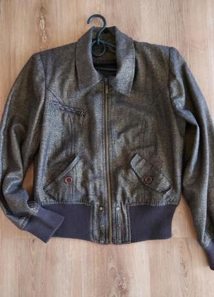 Стильна весняна куртка з люрексом