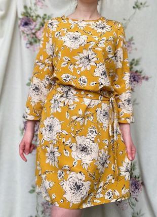 Красива гірчична сукня з принтом у квіти❤️