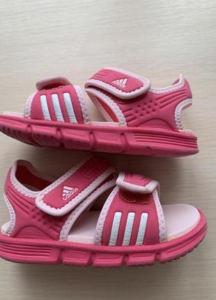 Легких босоножки adidas 25-26 p