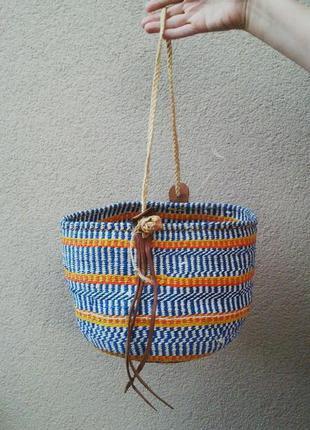 Красивая плетеная,соломенная сумка-корзина пляжная с кожаными деталями,этно.