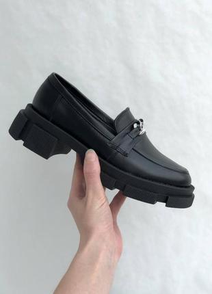 Черные женские кожаные лоферы5 фото