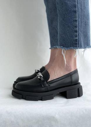 Черные женские кожаные лоферы2 фото
