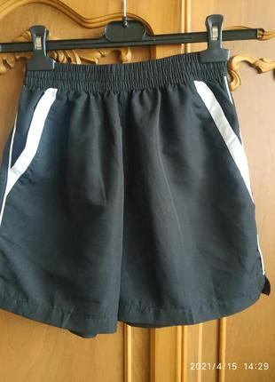 Спортивные шорты на р 140-146-152 см