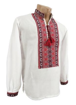 Українська чоловіча вишиванка білого кольору із тканою червоною нашивкою