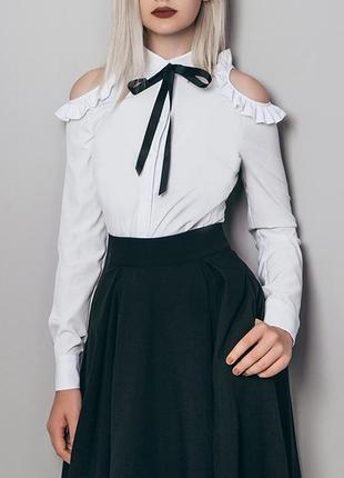 Белая блузка классика размер s / большой ассортимент женской одежды