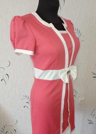 Трикотажное платье с коротким рукавом. новое.