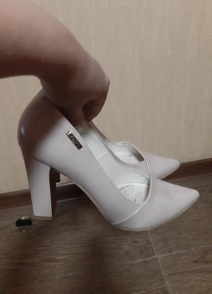 Туфли лак  zanzara 37 размер