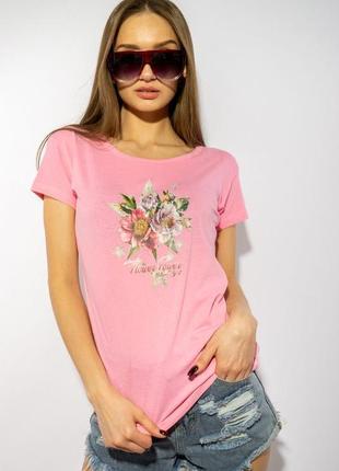 Розовая женская футболка с цветочным принтом