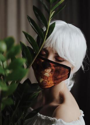 Защитная маска поцелуй