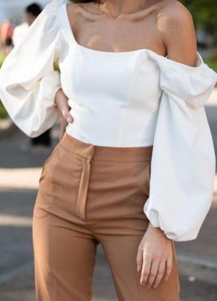 Роскошный белый боди с пышными рукавами-бафами в винтажном стиле.  lipinskaya