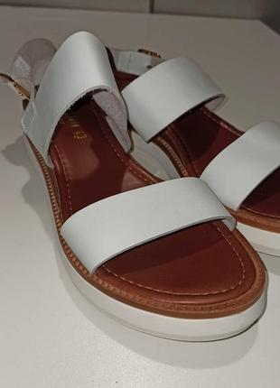 Женские сандалии, босоножки