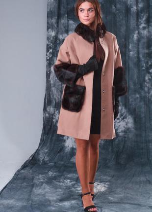 Эксклюзивное пальто шерсть альпака манжеты карманы и воротник стойка из аукционной норки!