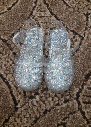 Силиконовые сандалии.