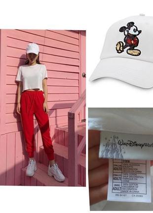 Фирменная базовая белая котоновая бейсболка с вышивкой коллекционная оригинал!!!