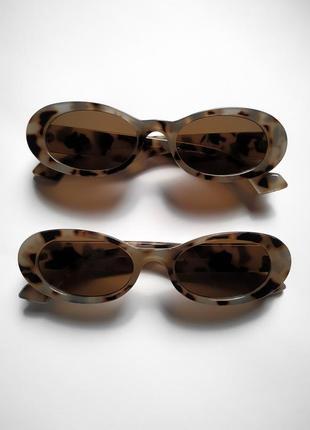 Солнцезащитные очки в овальной оправе  uv400