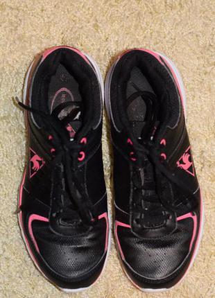 Черные легкие кроссовки на широкую ногу