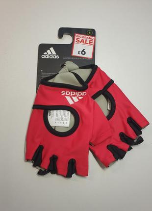 Перчатки для спорта adidas