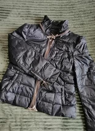 Весняна жіноча стильна куртка
