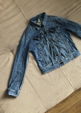 Женский джинсовый пиджак джинсовка