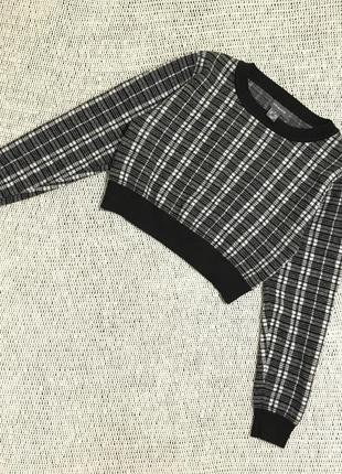Актуальный укороченный свитер primark в черно-белую клетку джемпер, свитшот кроп топ