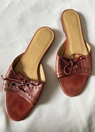 Шльопанці шльопки сандалі gucci