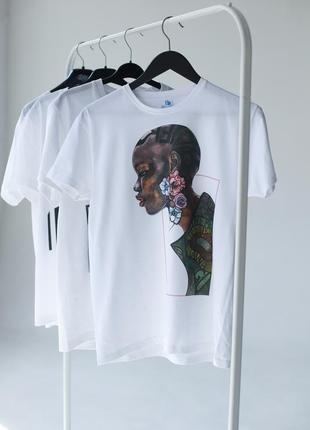 Базовая белая футболка oversize