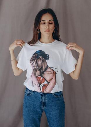 Базовая белая футболка oversize женская