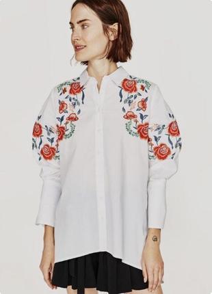 Біла сорочка з вишивкою