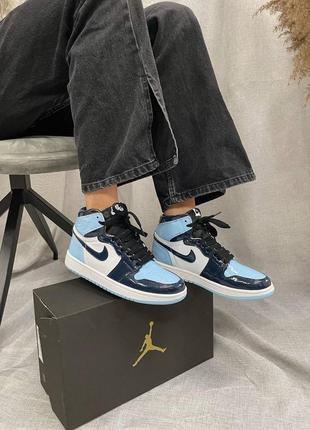 Женские кроссовки nike air jordan 1 retro high patent blue