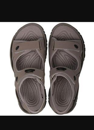 Новенькие оригинальные сандали