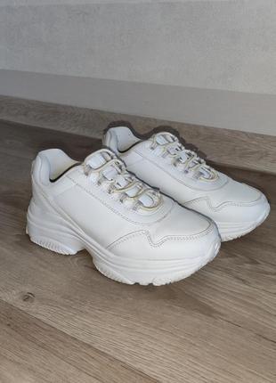 Кроссовки для девочки intertop