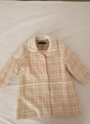 Пальто на девочку burberry