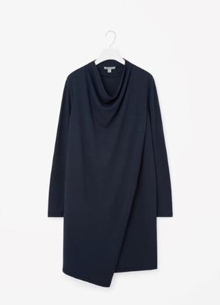 Стильне чорне плаття cos