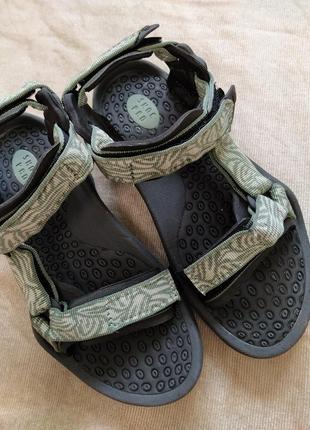 Треккинговые босоножки сандалии teva