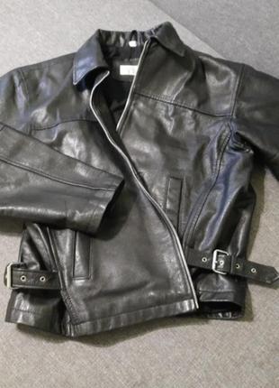 Кожанная куртка,кожанка,натуральная кожа 18(50)размер