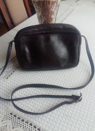 Коричневая кожаная сумка кроссбоди lamoda