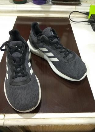Легкие кроссовки adidas 39-40