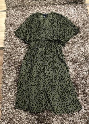 Легкое платье на запах new look