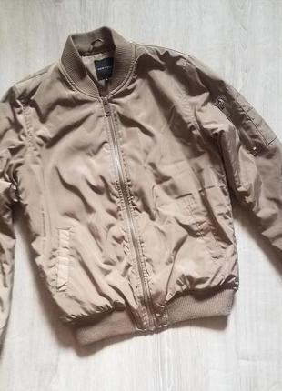 Бомбер куртка бежевого цвета new look размер s