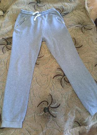 Серые спортивные штаны на 12лет, 44размер унисекс